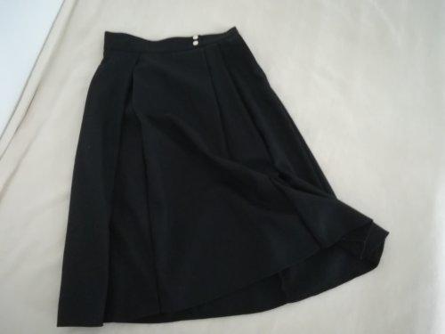 黒のスカート