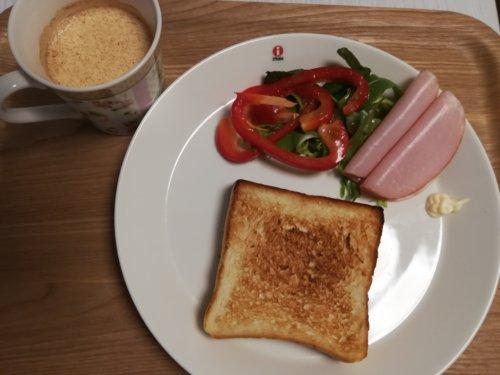 食パン、サラダ、ハム