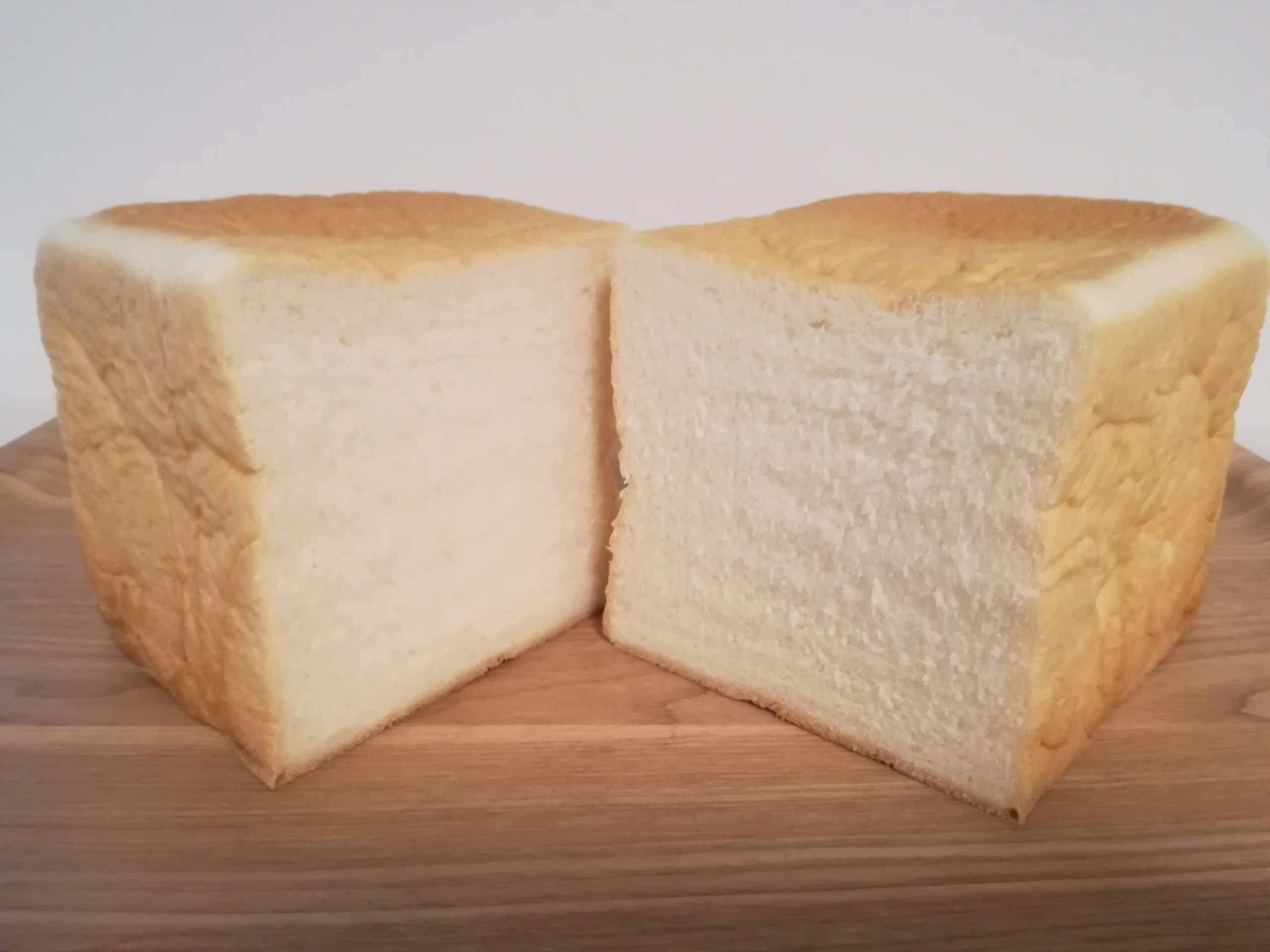 高級食パンエイトの角食パン