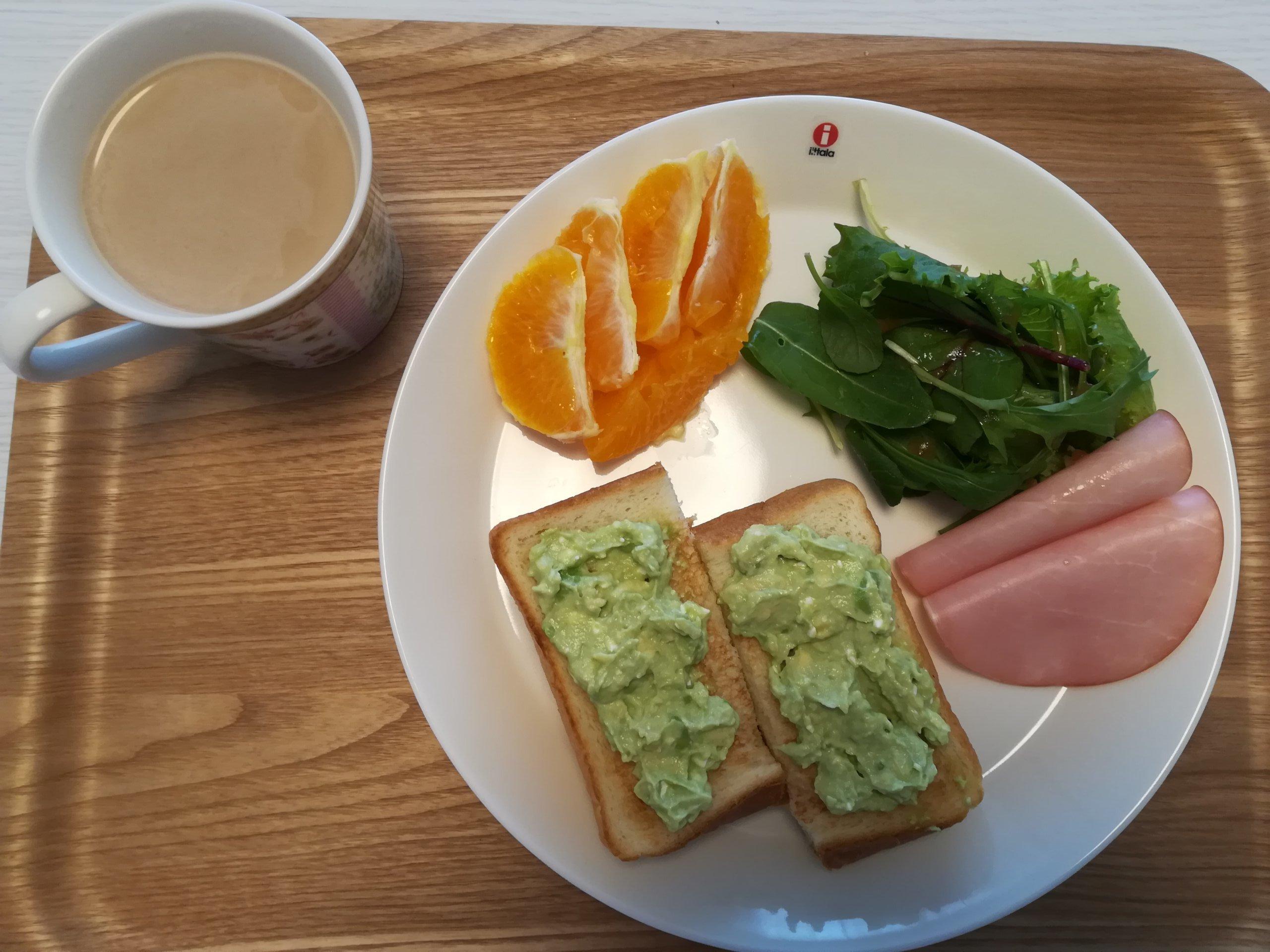食パン、果物