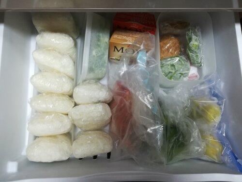 ひとり暮らしの冷凍庫の中身