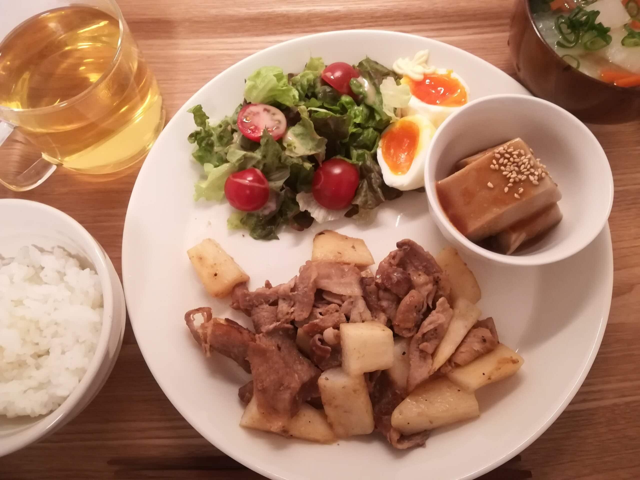 フレンチトースト/長いもと豚肉の炒めもの/MOWの宇治抹茶